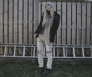 beanie, ripped jeans, and girl image