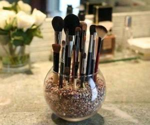 Brushes image