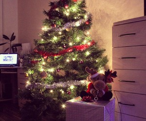 christmas, room, and christmas decoration image