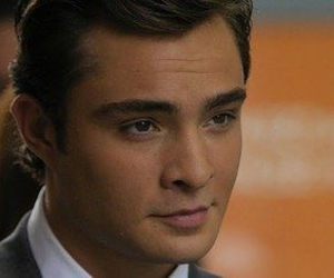 chuck bass, gossip girl, and hello image
