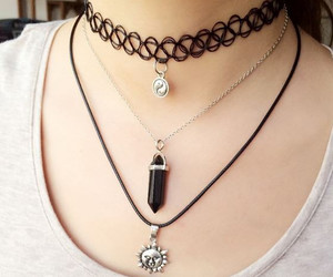 necklace, accesories, and grunge image