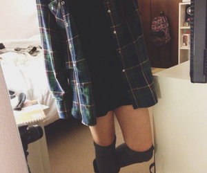 combat boots, grunge, and ootd image