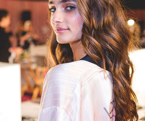 taylor hill, model, and Victoria's Secret image
