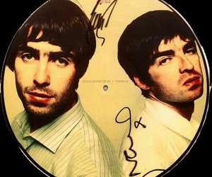 liam gallagher, live forever, and noel gallagher image
