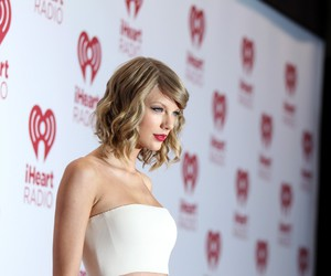 13, Taylor Swift, and 1989 image
