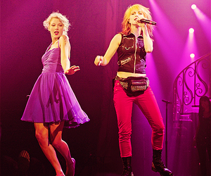 hayley williams and Taylor Swift image