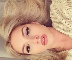 beauty, blonde, and makeup image