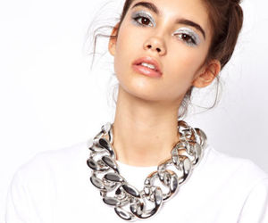 chain necklace, fashion jewelry, and bib necklace image