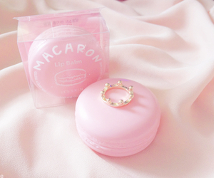 pink, macaroons, and lip balm image