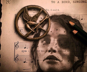 drawing, mockingjay, and katniss image