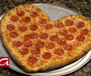 pizza, heart, and yummy image