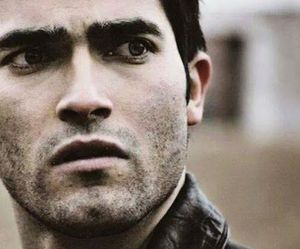 derek hale and teen wolf image