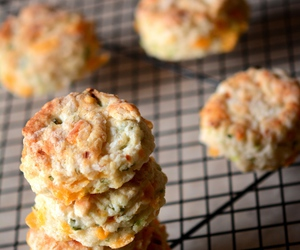 biscuit and cheddar image