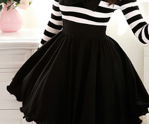 black and white, pretty, and stripes image