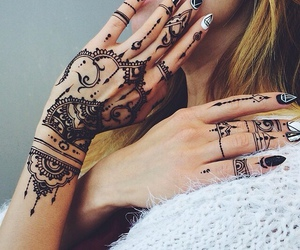 arabic, henne, and nails image