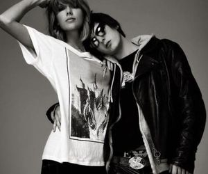 Taylor Swift and photoshoot image