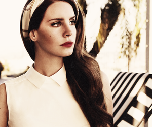 famous, prety, and lana del rey image