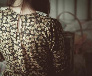 girl, vintage, and dress image