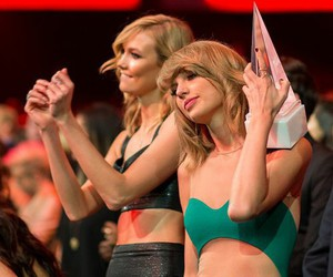 Taylor Swift, Karlie Kloss, and amas image