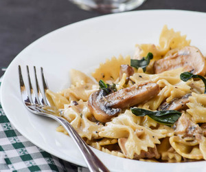 Chicken, mushroom, and pasta image