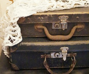 vintage, valige, and luggages image