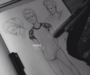luke hemmings, 5sos, and itslopez image
