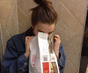 girl, food, and grunge image