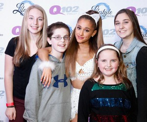 fans and ariana grande image