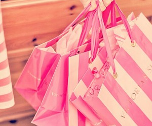 pink, shopping, and Victoria's Secret image