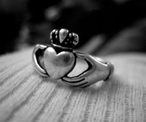 ring, claddagh, and heart image