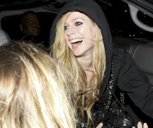 Avril Lavigne, famous, and glam image