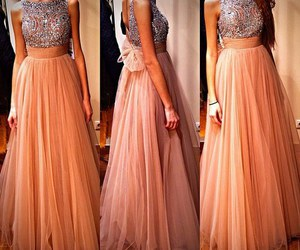 Chica, dress, and look image