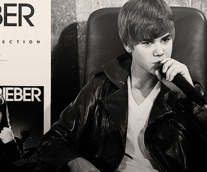 justin bieber, the best day ever, and 291110(l) image