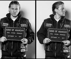 sons of anarchy, Charlie Hunnam, and black and white image