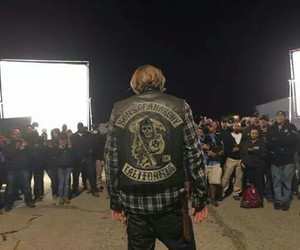 bikers, Charlie Hunnam, and the end image