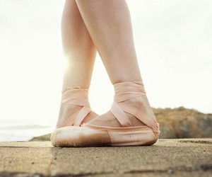 ballett, pointe shoes, and rosa image