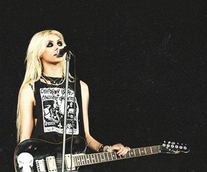 Taylor Momsen, guitar, and rock image