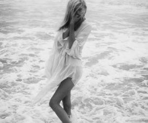 b&w, ocean, and cool image