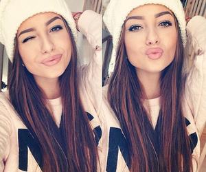 girl, winter, and kiss image