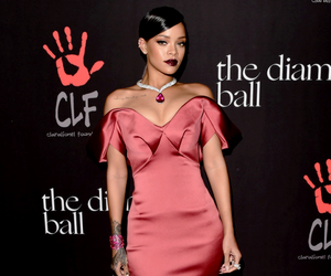 rihanna, dress, and Queen image