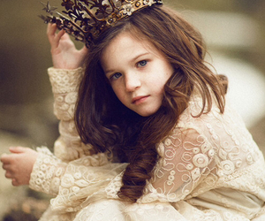 baby, pretty, and Queen image