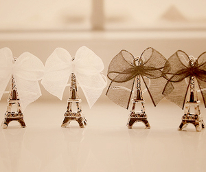 paris, bow, and eiffel tower image