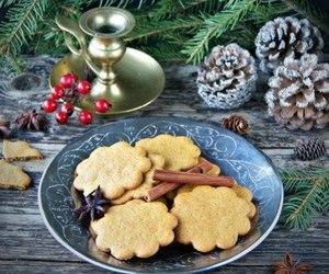 christmas, Cinnamon, and cone image