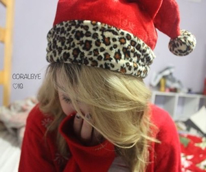 red, winter, and tumblr girl image