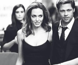 Angelina Jolie, brad pitt, and couple image