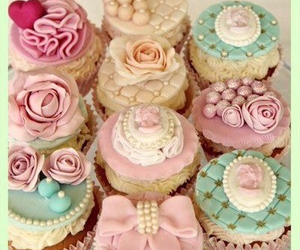 cupcakes and pastel image