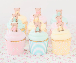 cupcake, sweet, and bear image