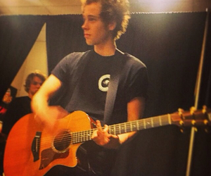 5sos, luke hemmings, and guitar image