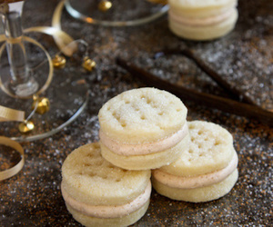 buttercream, Cookies, and spices image
