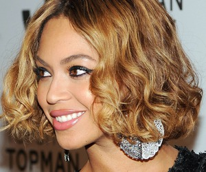 beyoncé, fashion, and red carpet image